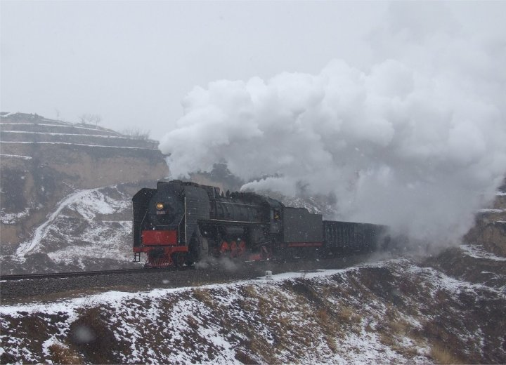 QJ 7181 in a blizzard at Chenghe on 26th February 2009