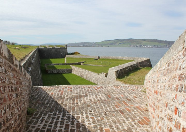 Dog cemetery at Fort George