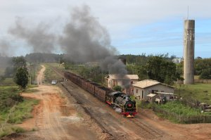 Alco no. 153 en route to Morro Grande