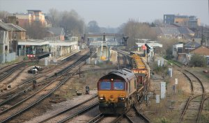66112 passes through Norwood Junction on 25th March 2012