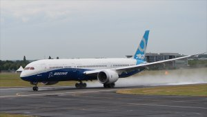 The new Boeing 787-9 Dreamliner heads home