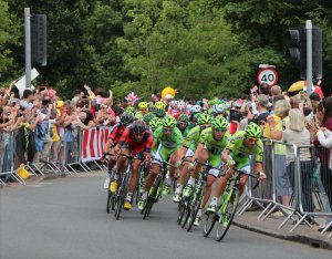 Peter Sagan (fourth from right) in the Cannondale train on the approach to the Epping Forest sprint