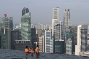 The infinity pool at Marina Bay Sands Skypark