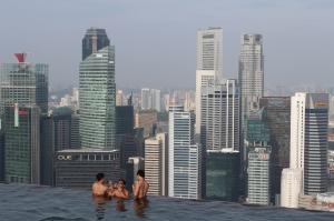 The infinity pool at Marina Bay Sands Skypark