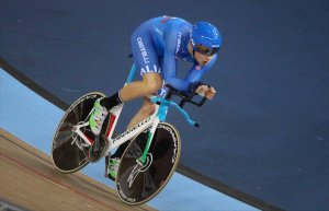 Filippo Ganna on the way to the Men's Individual Pursuit title